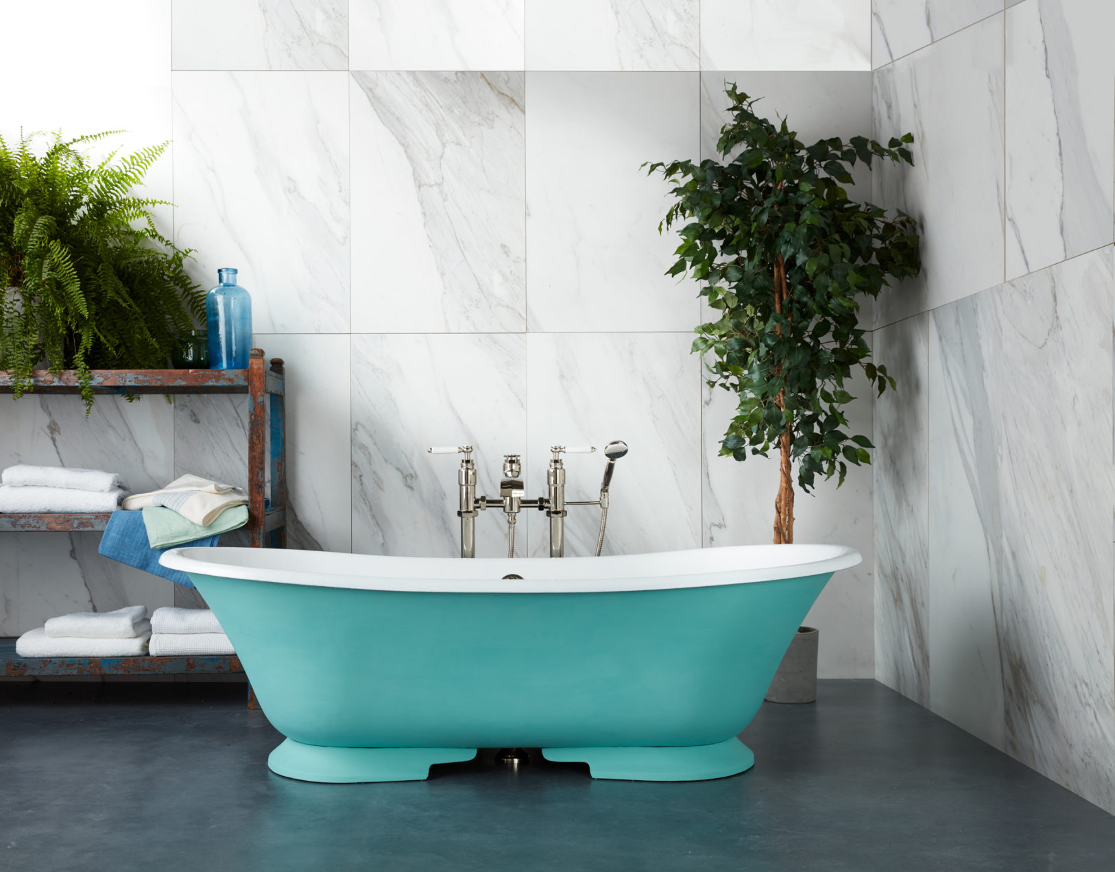The Serpentine Cast Iron Skirted Bath Tub