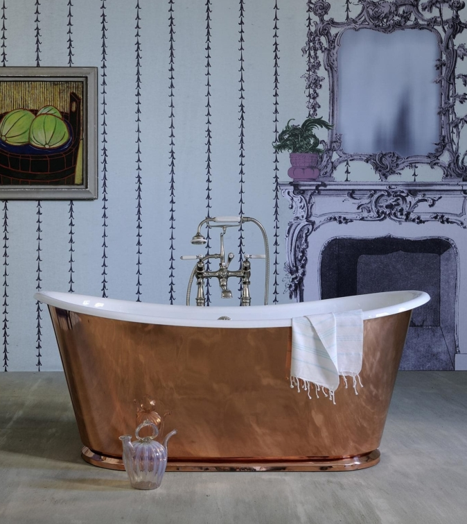 The Copper Usk cast iron batea bath tub