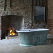 The Humber Cast Iron Skirted Bath Tub