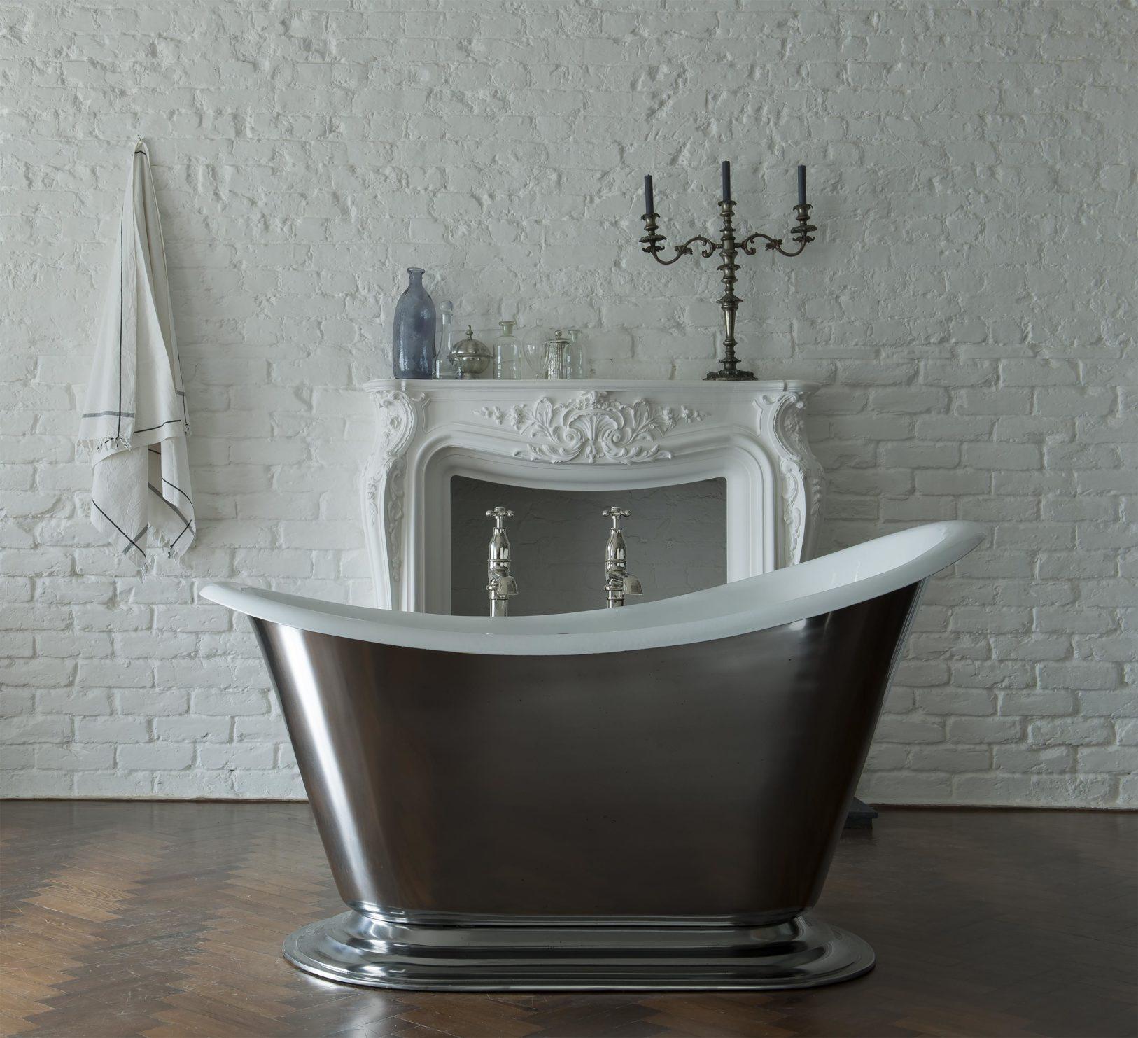 The Morar cast iron slipper bath tub