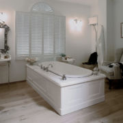 The Ness Large Undermounted Cast Iron Bath Tub