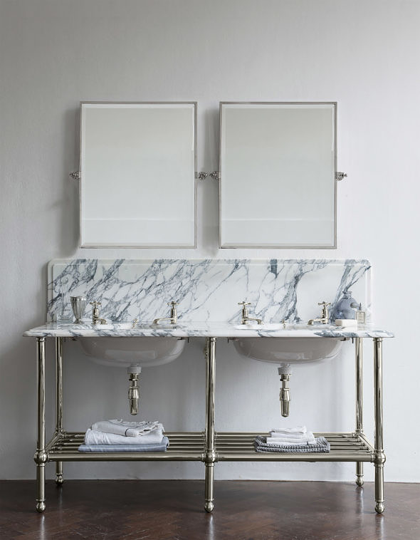 The Double Crake In White Arabescato Marble in nickel finish