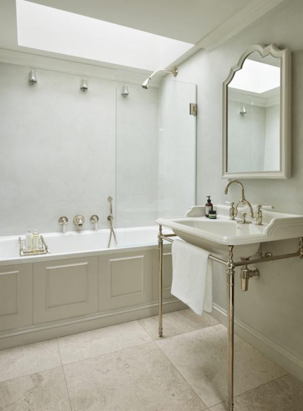 Four storey Pimlico townhouse upstairs bathroom