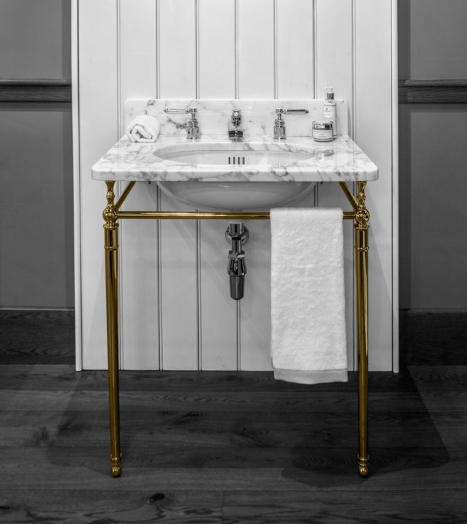 Single Locky Basin Stand in brass finish