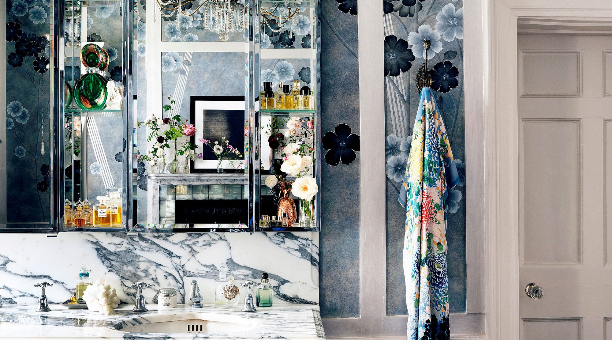 Inside Kate Moss' Bathroom | London