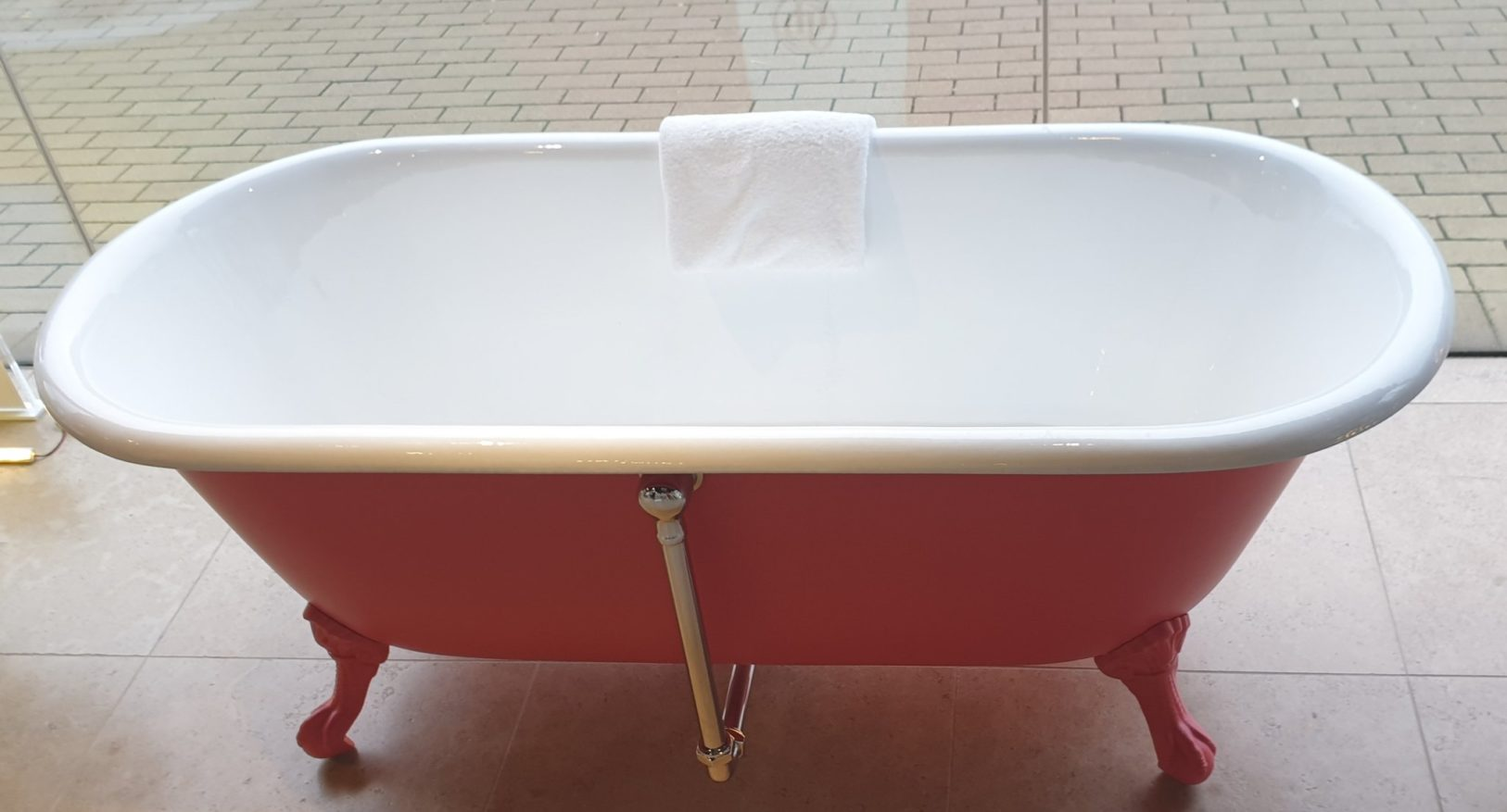 The Swale Cast Iron Bath Tub With Ball & Claw Feet